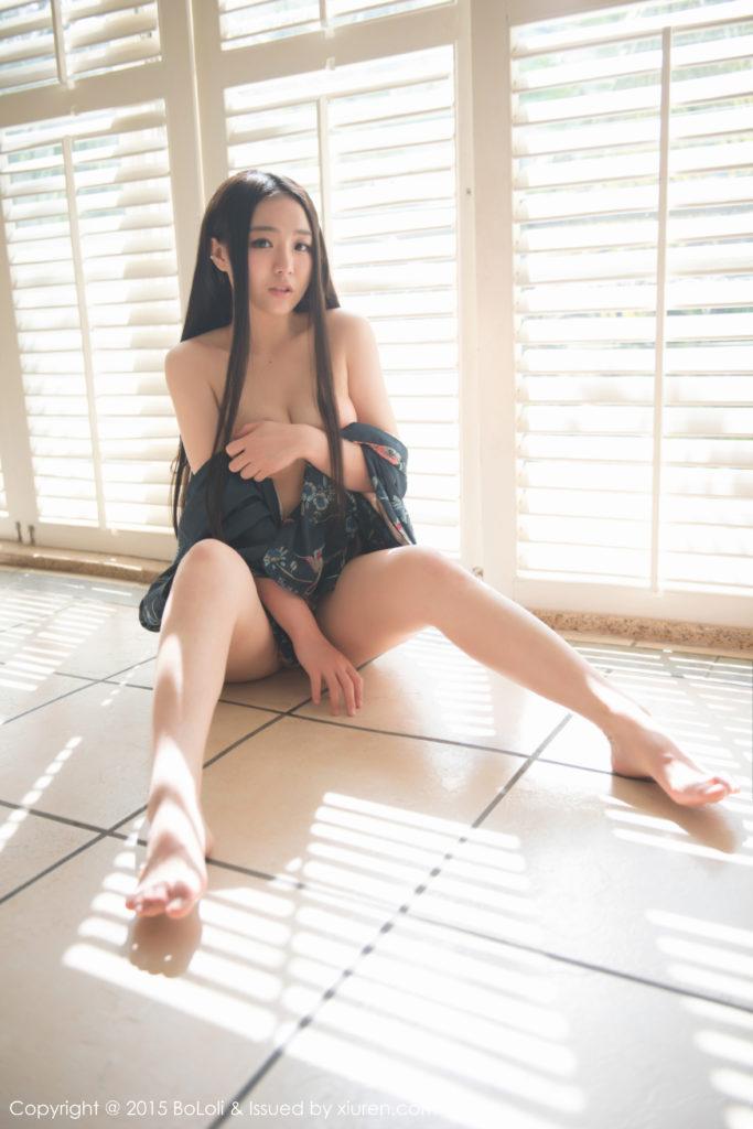 hot pose Chinese