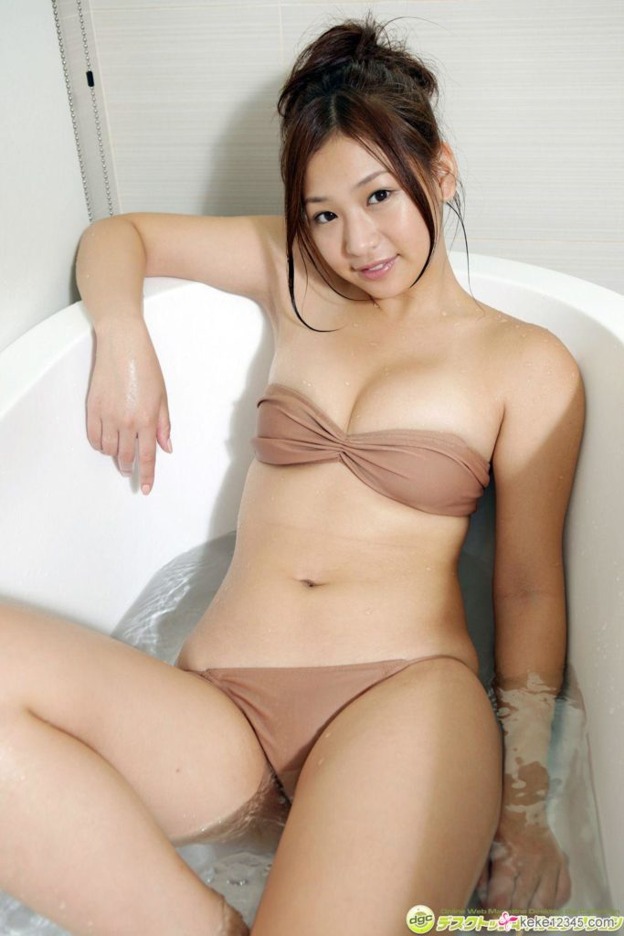 hot bikini Japanese