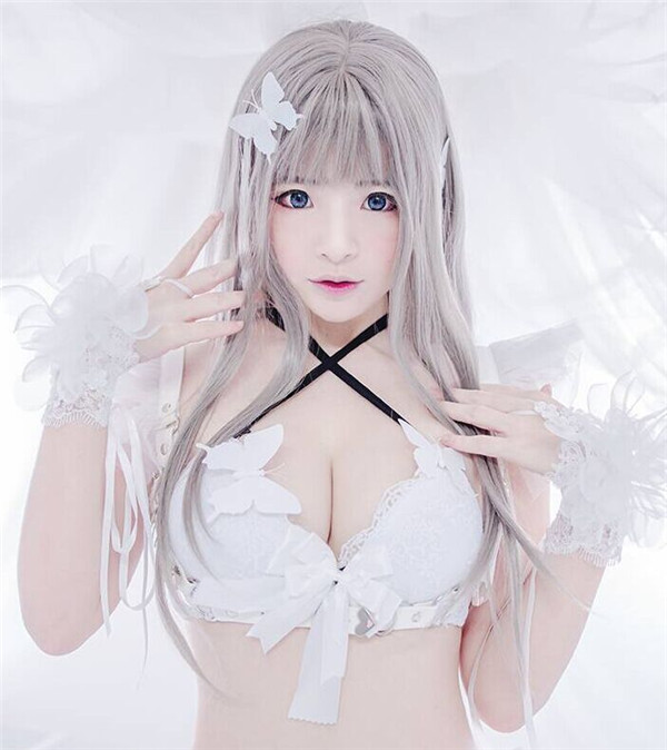 hot cosplay girl